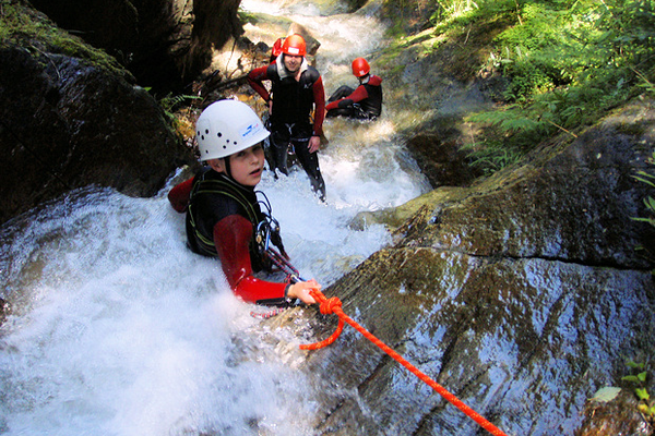 Klettergurt Canyoning : Familien canyoning wasser craft